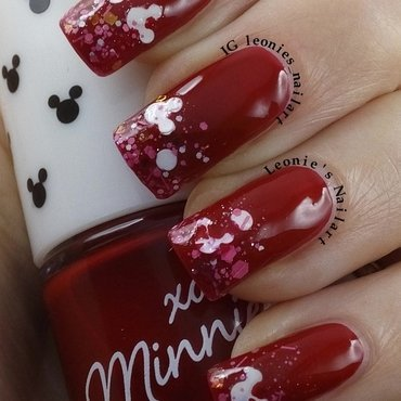 Red nail art by Leonie