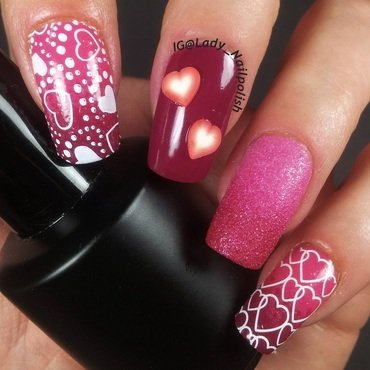 Valentines Day Manicure nail art by Lady Nailpolish Nathalie