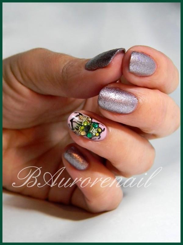 scarabée nail art by BAurorenail