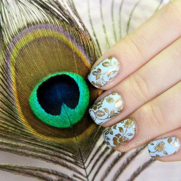 golden flowers nail art by cheshirrr