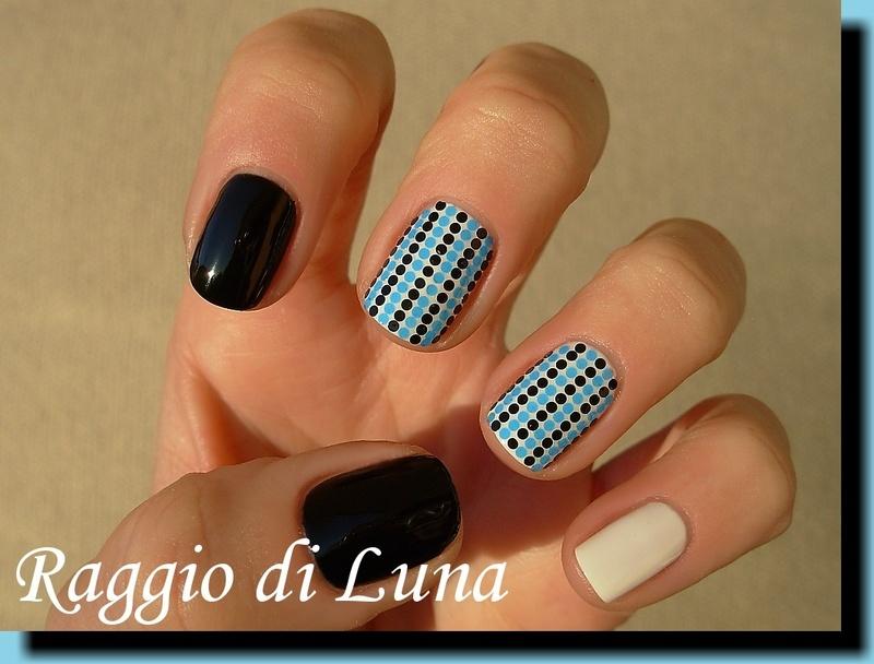 Black & blue tiny glitters skittlette nail art by Tanja