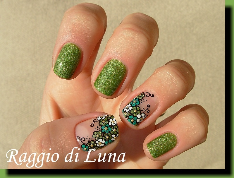 Green & white little flowers fantasy nail art by Tanja
