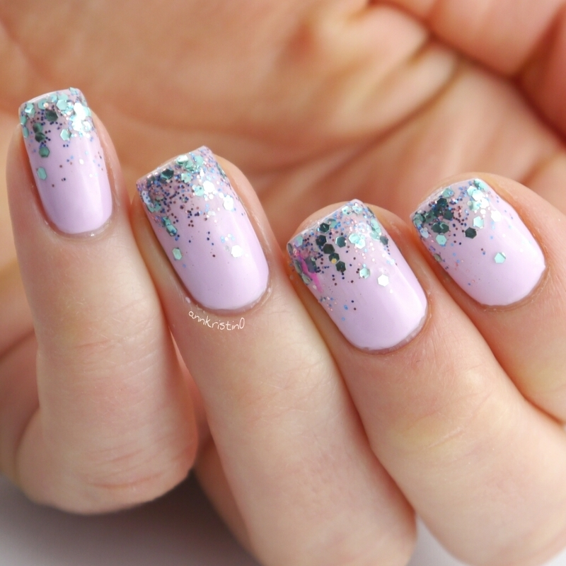 Turquoise Glitter Gradient Close Up nail art by Ann-Kristin