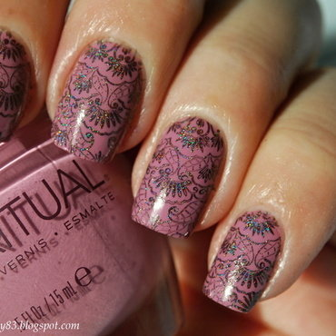Lace stamping nail art by Hana K.