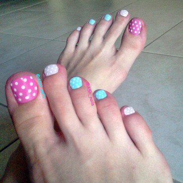 POLKA-DOT  nail art by Anna Sh