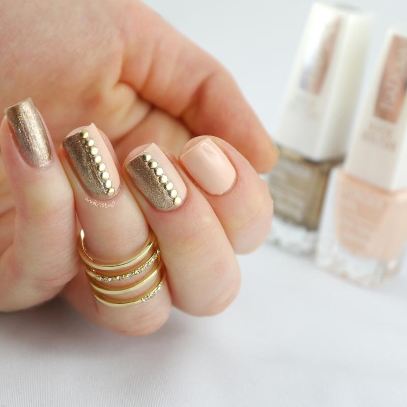 Peachy Gold Studs FULL nail art by Ann-Kristin