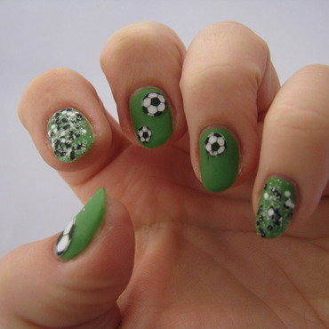 Soccer nail art by Nail Crazinesss