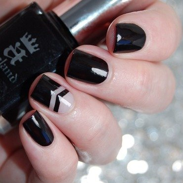 Negative Space Nail Art nail art by Katie of Harlow & Co.