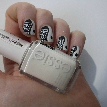 B/W Aztec Ying Yang nail art by The_Oracle