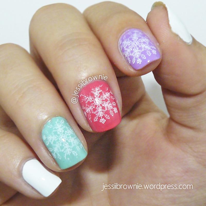 Macaroon Flakes nail art by Jessi Brownie (Jessi)