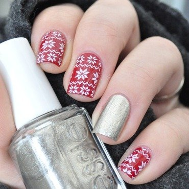 Essie 20christmas 20sweater 209 thumb370f