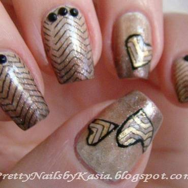 Chevron hearts nail art by Pretty Nails by Kasia