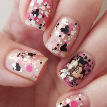 Manicura minnie y mickie abrazados reverse stamping thumb370f
