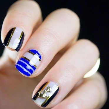 Nautical Nails nail art by  Petra  - Blingfinger