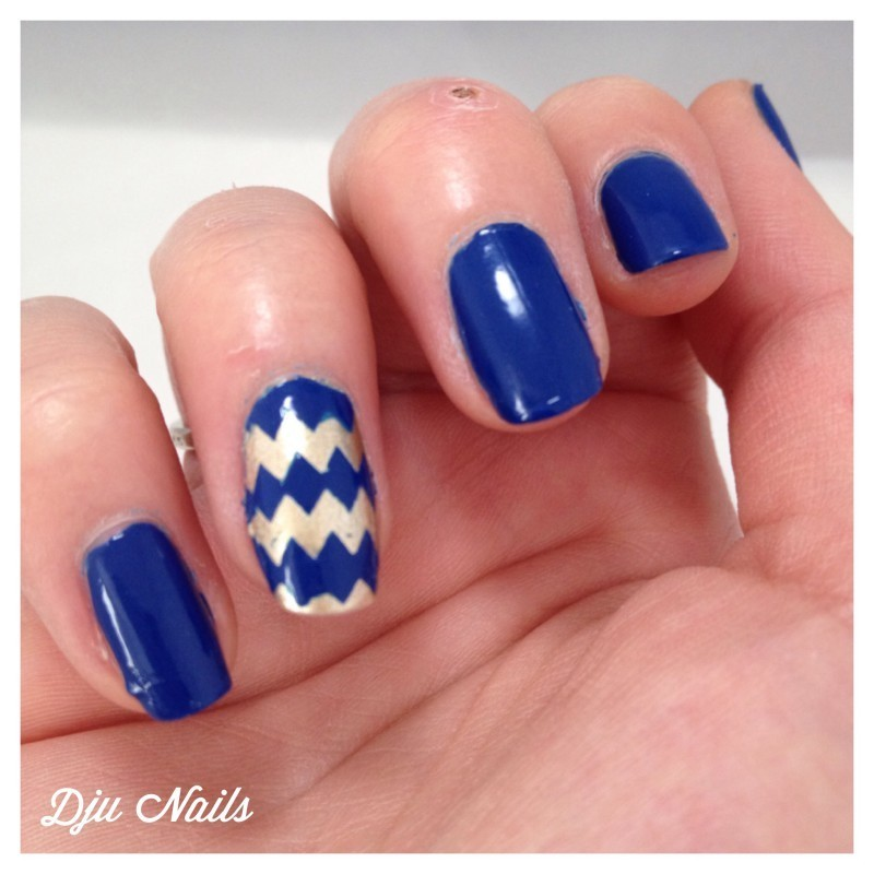 Kure de chevrons !! nail art by Dju Nails