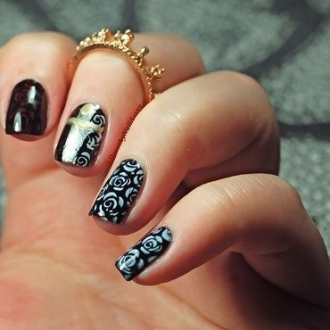 The white queen nail art nail art by Dorothy NailAssay