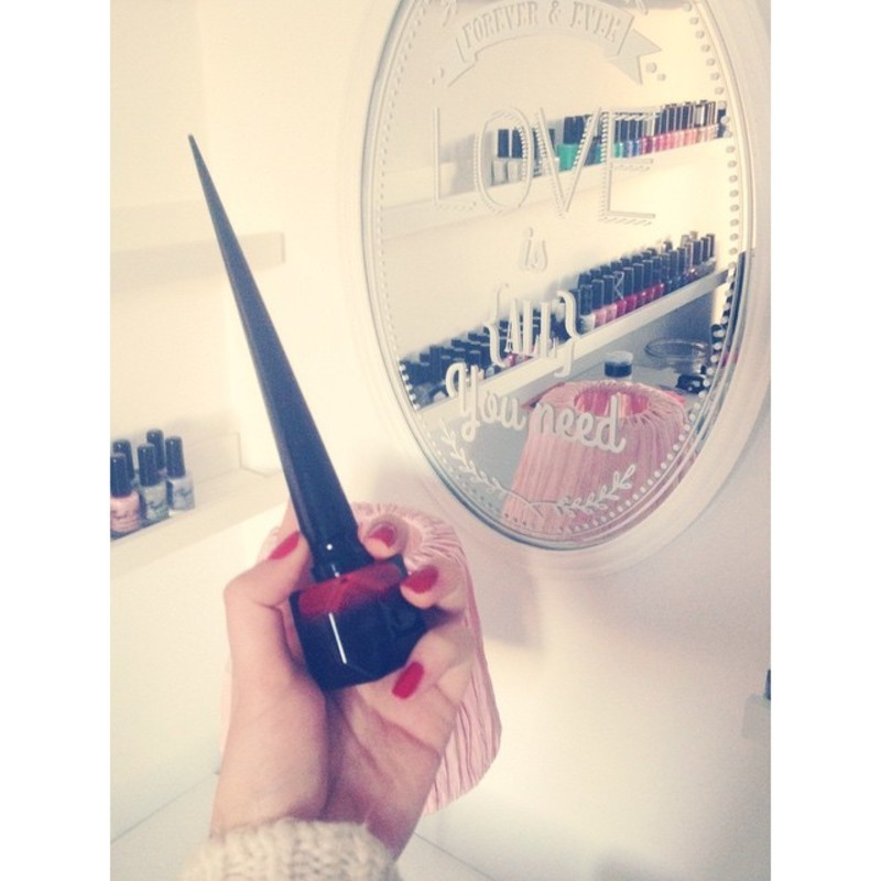 Christian Louboutin Rouge Louboutin Swatch by Dju Nails