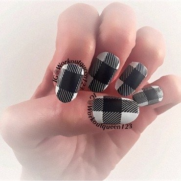 Plaid nail art by Workoutqueen123