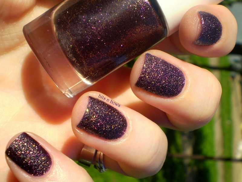Look by Bipa Coloured Sand Glitter Lilac Swatch by Kristina