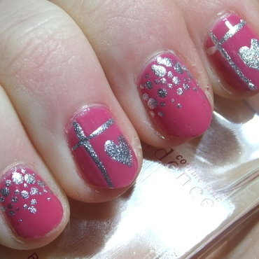 Love is around nail art by Iulia