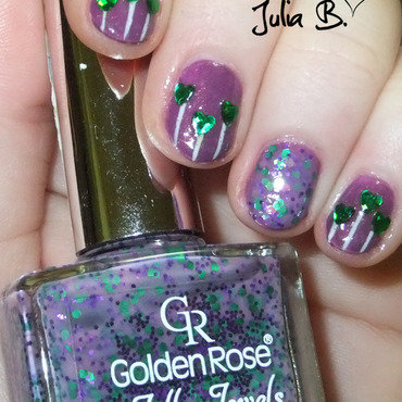 green flowers nail art by Iulia