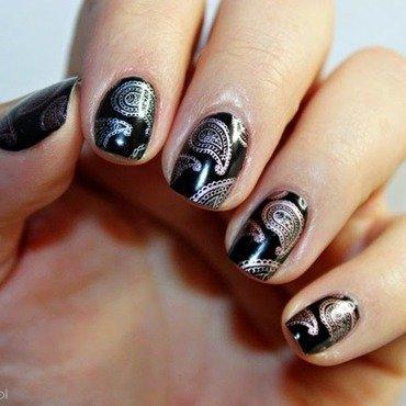 Paisley nail art by Amethyst