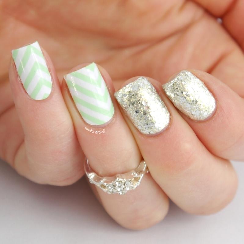 Minty Chevrons Nail Wrap nail art by Ann-Kristin