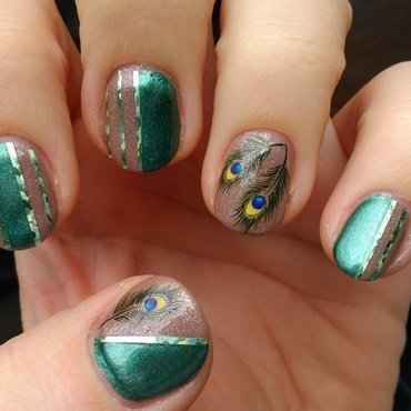 Peacock feathers nail art by Nail Crazinesss