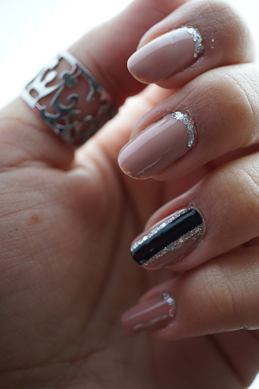 simplicity nail art by Cathy Neves