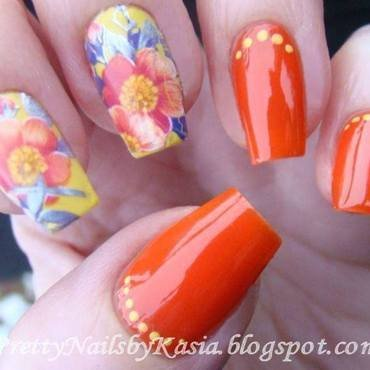 Flower Nails nail art by Pretty Nails by Kasia