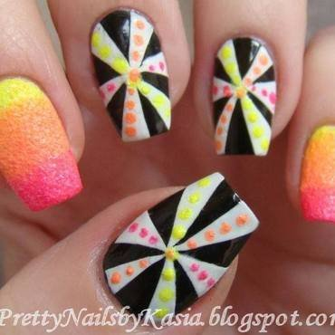 Colourfull op-art nail art by Pretty Nails by Kasia
