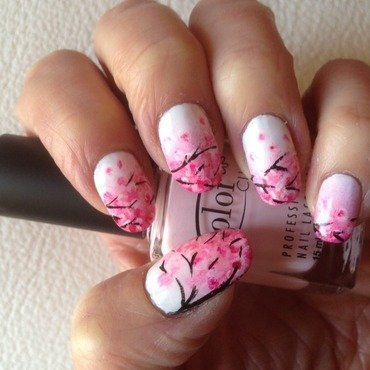Japoneese cherry blossom nail art by Eleadora