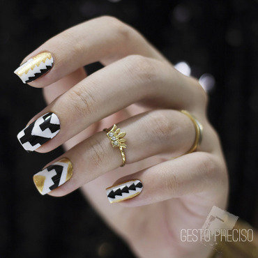 Geometric nail art by Gi Milanetto
