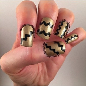 Gold and Black nail art by Workoutqueen123