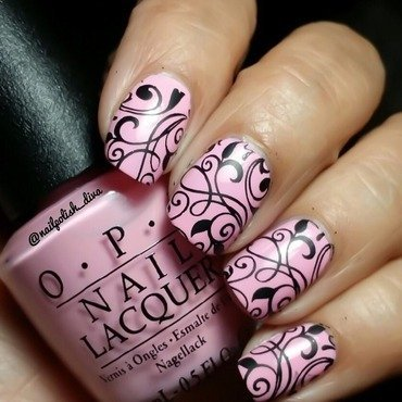 Chic Pink ! nail art by Marilyn