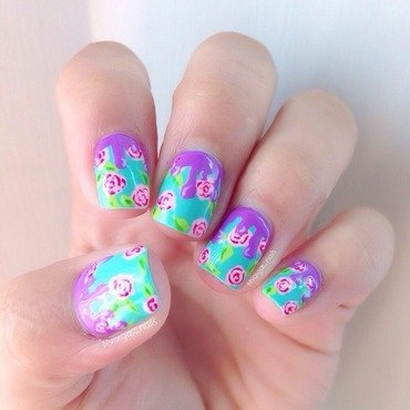 Floral dripping  nail art by Massiel Pena