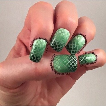 St. Patrick's  Days Green Ombre  nail art by Workoutqueen123