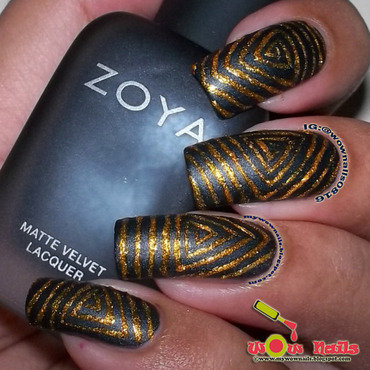 Hypnotic Triangles nail art by Paula of Wow Nails