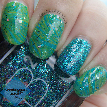 St Patrick's Day Water Marble and Glitter nail art by Karise Tan