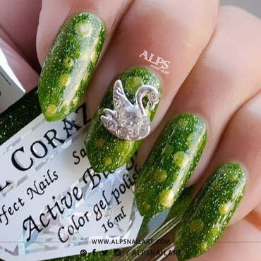 St. Patrick's Day nails by @alpsnailart nail art by Alpsnailart