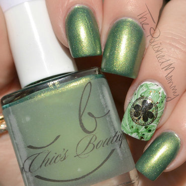 BinChic St. Paddy's Shillelagh nail art by The Polished Mommy