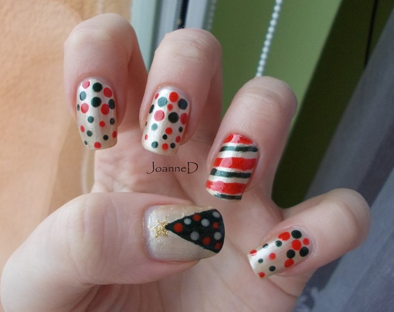 Christmas is coming :) nail art by JoanneD