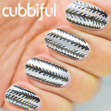 Pattern silver nails thumb370f