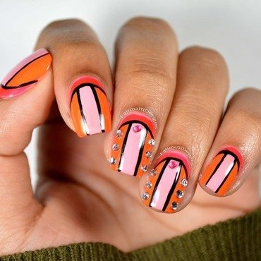 Black Lined Color Block nail art by Fatimah