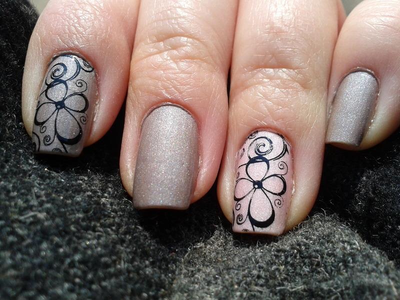 Pastel semimatte floral nail art by Jájis