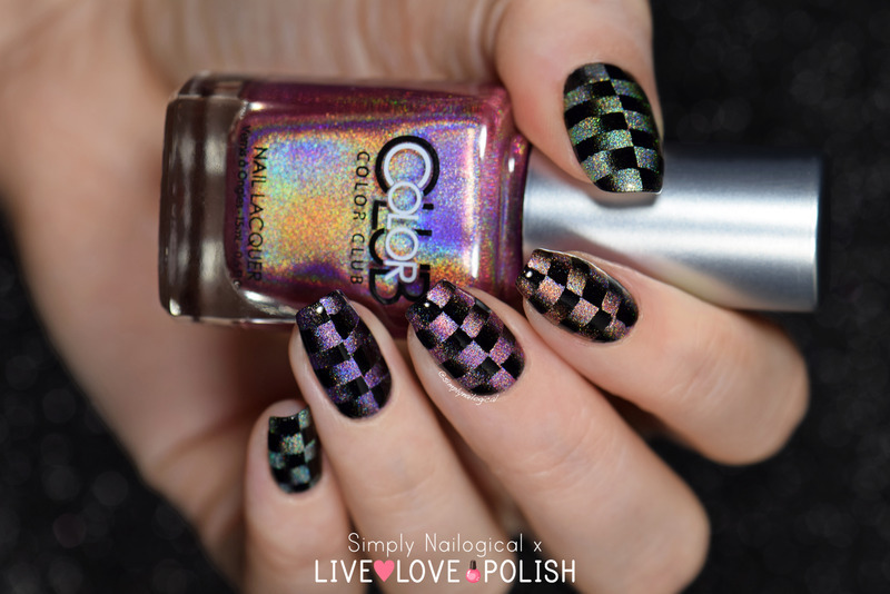 Black & holo scaled reciprocal gradient nail art by simplynailogical
