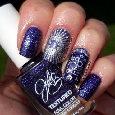 Moon and Stars nail art by Donner