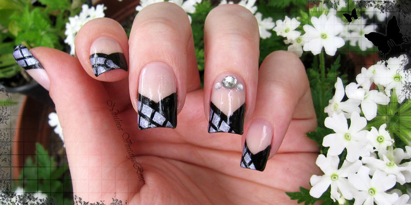 V shape french nail art by Ninthea