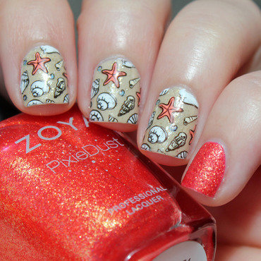 Sea Shells nail art by Moriesnailart