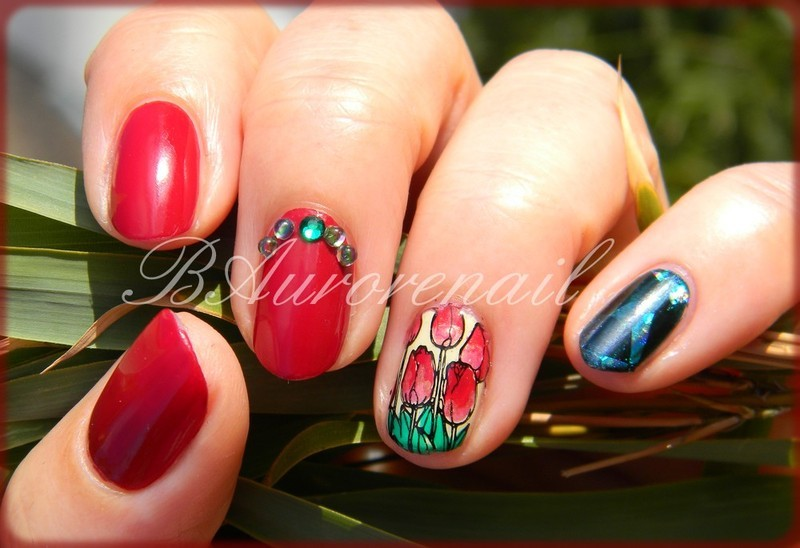 Tulipe nail art by BAurorenail